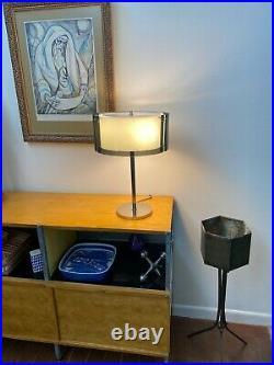 Laurel Vtg Mid Century Modern Lucite Acrylic Chrome Metal Table Desk Lamp Saucer