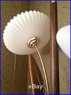 Vintage MCM Saucer Tension Pole Lamp Set Mid Century Modern Atomic Eames