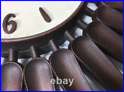 Vintage SYROCO Mid Century Modern Atomic Starburst Sunburst 22 Wall Clock USA