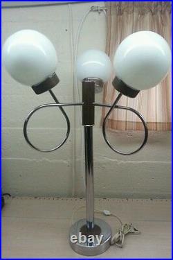 Vintage mid century modern retro atomic metal chrome lamp